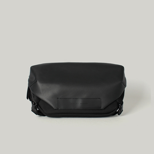 [7월말 입고예정] Hawk C1 Sling bag Black